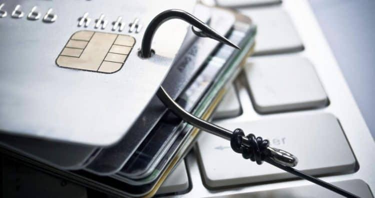 fraude cartão de crédito dano moral